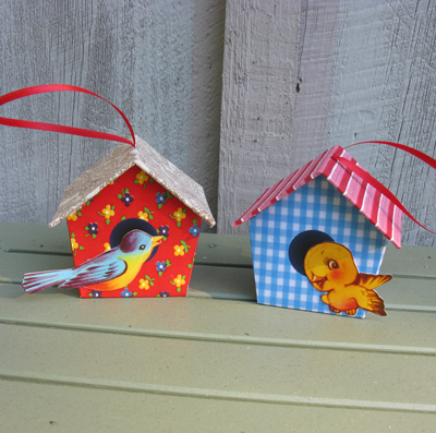 blog_birdhouse_red_blue1.jpg